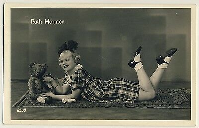 Opera Singer RUTH MAGNER & TEDDY BEAR / TEDDYBÄR Oper * Vintage 40s Photo PC