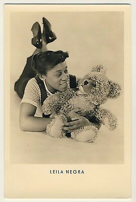 Actress Singer LEILA NEGRA & TEDDY BEAR TEDDYBÄR Sängerin * Vintage 50s Photo PC