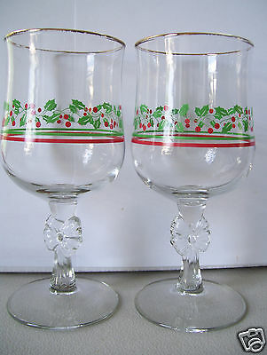 Set Of  2 Arby's Holly & Berries Stemmed Goblets 1980s 12 oz Christmas Glass