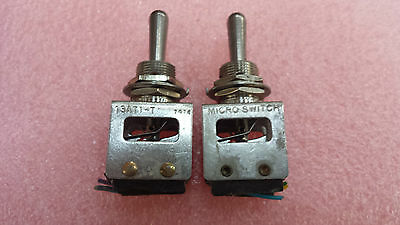 Lot of 2 pieces of 13AT1-T Beechcraft Sealed Toggle Micro Switch .Tracked ship