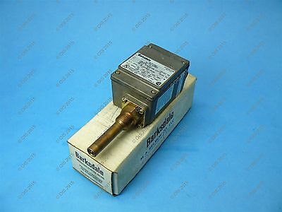 Barksdale ML1H-H201 Temperature Switch -50 To +75 F 10 Amps 125/250 NEMA 4 NEW