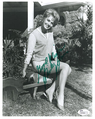 (SSG) Rare Young SHIRLEY JONES Signed 8X10 Photo with a JSA (James Spence) COA