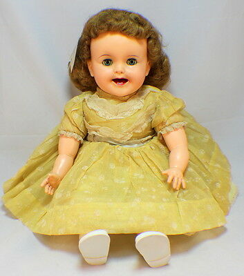 "Ideal Magic Lips 24"" with crier and Moving Lips original Doll clothes"
