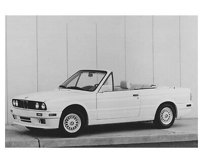 1992 BMW 325i Convertible Automobile Factory Photo ch8725