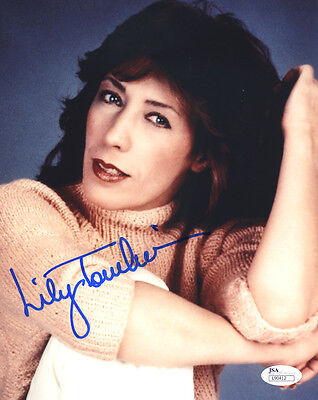 (SSG) LILY TOMLIN Signed 8X10 Color Photo with a JSA (James Spence) COA