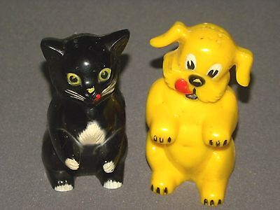 Vintage Cat & Dog Plastic F&F Works Salt & Pepper Shaker Set 2 Shakers USA