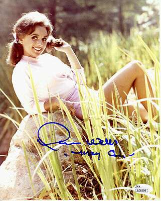 (SSG) DAWN WELLS Signed 8X10 Color Photo with a JSA (James Spence) COA