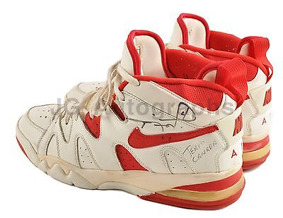 Rick Fox - NBA Great Autographed Game Used Nike Team Canada Sneakers