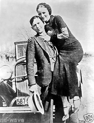 PHOTO Bonnie Parker & Clyde Barrow, between 1932 & 1934 - BONNIE AND CLYDE