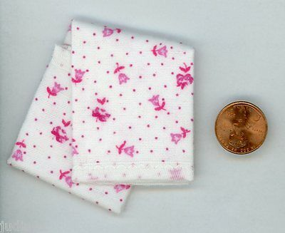 Miniature Dollhouse Blanket / White w/ Pink Roses and Tulips