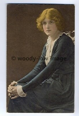 b0683 - Film , Stage & TV Actress - Gladys Cooper - postcard