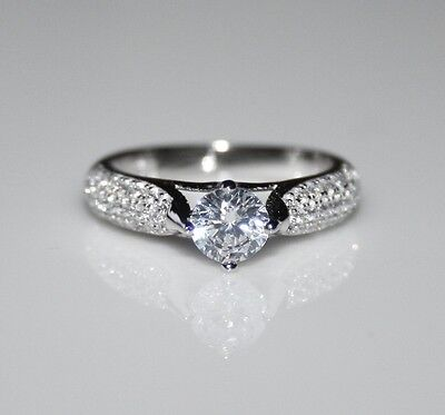 Sterling Silver 4Mm 0.25Ct Round Cut Cz Cubic Zirconia Pave Solitaire Ring