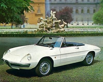 1968 Alfa Romeo 1600 Spyder Duetto Pininfarina Automobile Photo Poster zua5000-C
