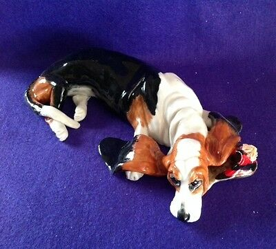 EVE PEARCE English Porcelain Hand-Made Basset Hound Dog Model