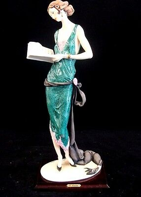 """Giuseppe Armani """"LADY with BOOK"""" 384 C 1987 RETIRED"""