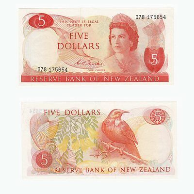 NEW ZEALAND - $5 Dollars Banknote - P.165b  (1968-75)