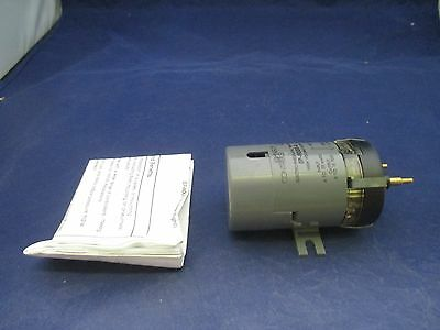 Johnson Controls EP-8000-4 Electro-Pneumatic Transducer  new