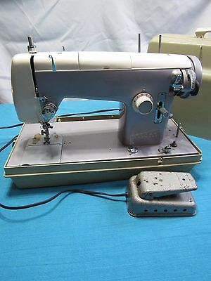 Sears Kenmore 158 523 Heavy Sewing Machine 1.2 Amp Motor with Case Power Tested