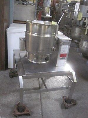 Groen 20 Quart Gas Steam Jacketed tilting Kettle with Stand  TDH20