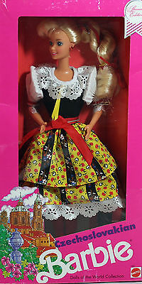 Czechoslovakian 1990 Dolls of the World Barbie Special Edition  NRFB - 07330