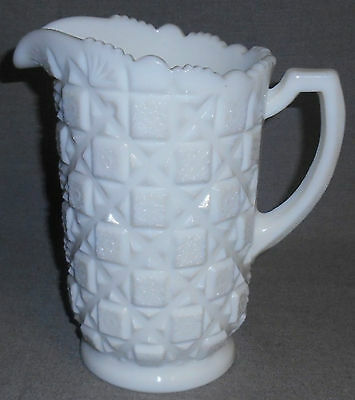 Westmoreland OLD QUILT PATTERN Milk Glass 40 oz WATER PITCHER