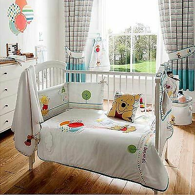 Disney Pooh Sunny Day Cot/Cot Bed Quilt