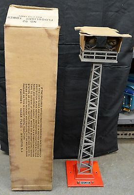 Lionel 92 Floodlight Tower in C7+ to C8 Condition OB - Red & Gray with Insert!