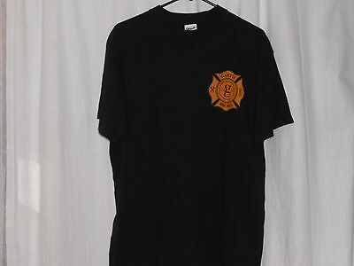 garth brooks black t-shirt size L.