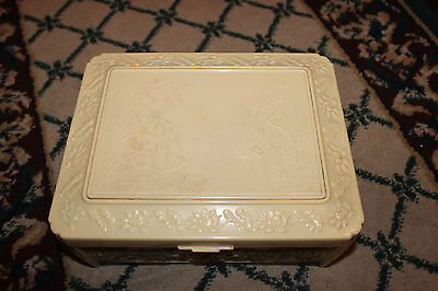 Vintage Chinese Japanese Bakelite Plastic Jewelry Trinket Box Detailed Designs