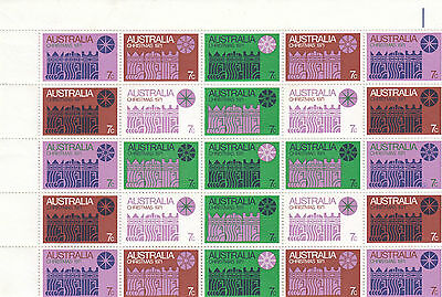 Christmas stamps Australia 1971 in block of 25 white paper green cross format
