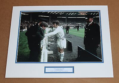 JOHNNY GILES Leeds United HAND SIGNED Autograph Photo Mount Display + COA