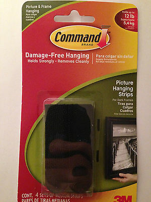 COMMAND 17201BLK-ES Picture/Poster/Canvas Hanging Strips Pk4 Holds up to 5.4kg.