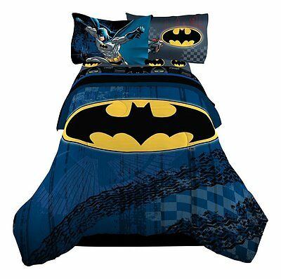 "Warner Bros 72 x 86"" Batman Guardian Speed Reversible Microfiber Comforter CRT"