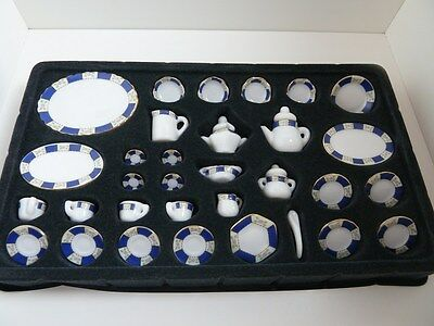 Dolls House Miniature for 1:12 Scale Kitchen Dining Room Blue Pattern Dinner Set