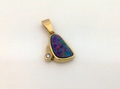 Opal Diamant Anhänger - 14 kt lady pendant with diamond