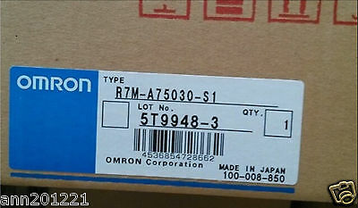 1PC NEW Omron servo motor R7M-AP40030-S1