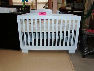 Metro 4 in 1 Convertible Crib-Free Shipping in the Greater Toronto Area