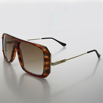 dcecbb0d99b Flat Top Hip Hop 80s Vintage Sunglass with Gold Temples Tortoise- COOL