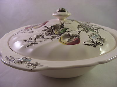 Johnson Bros. Georgia Pattern Covered Serving Bowl Vegetable with Lid England