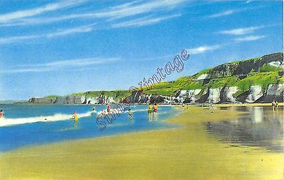 Northern Ireland Postcard The East Strand At White Rocks Portrush  C0 010