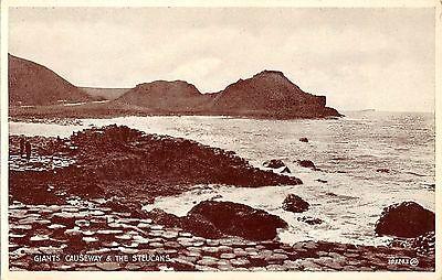Northern Ireland Postcard Giants Causeway The Steucans E0 031