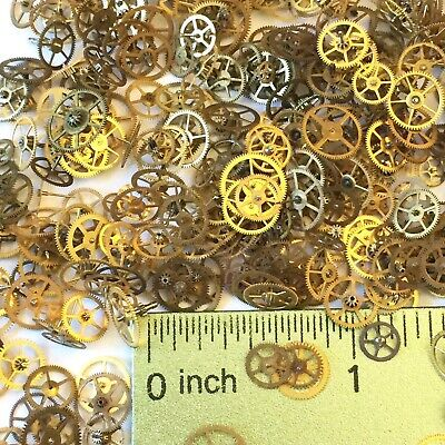 100 Watch Wheels Brass Gold Steampunk Gears Altered Art Watchmaker Lot Parts Vtg