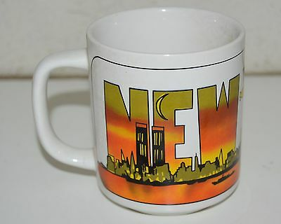 WOW Vintage NEW YORK NYC Big Apple Colorful 1980s Coffee Mug Rare