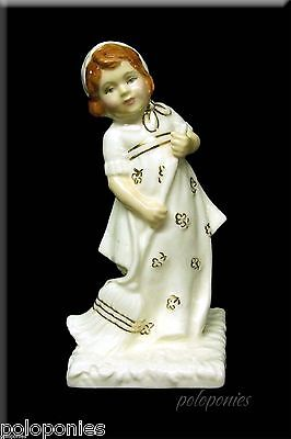 ROYAL DOULTON Helping Mother Figurine HN4228 - Ivory and Gold Series 319/1500