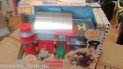 Postman Pat - Sds Centre Playset With Ben Taylor Figure And Accessories - New
