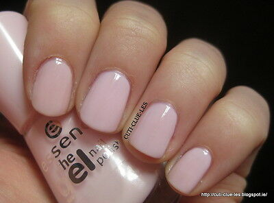 ESSENCE  - VERNIS A ONGLES -  THE GEL NAIL POLISH - 05 sweet as candy