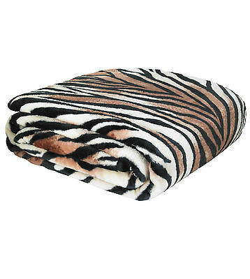 Catherine Lansfield Tiger Print Raschel Throw / Blanket In Two Sizes