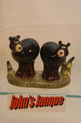 Black Bears Salt And Pepper Shakers~New~Ceramic~Three Pc Set~~New~Free Us Ship~