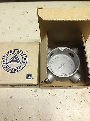 APPLETON ELECTRIC SEHX50 Conduit Outlet Box X 1/2 In Hub Iron Unilet - Lot Of 5