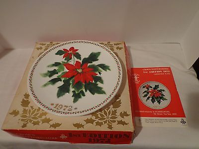 Vintage Crown Stafforshire 1St Edition 1972 Christmas Plate / Poinsettia